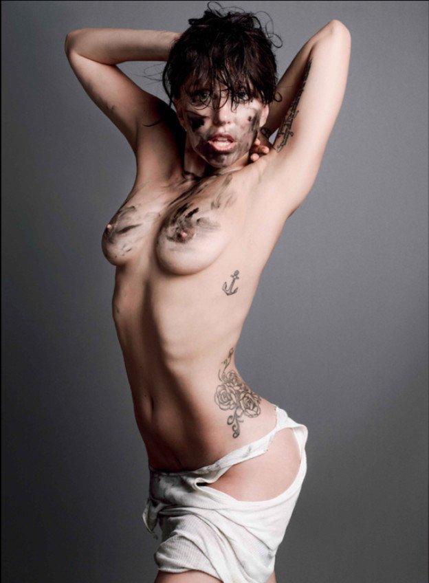 1. Леди Гага топлесс в V Magazine