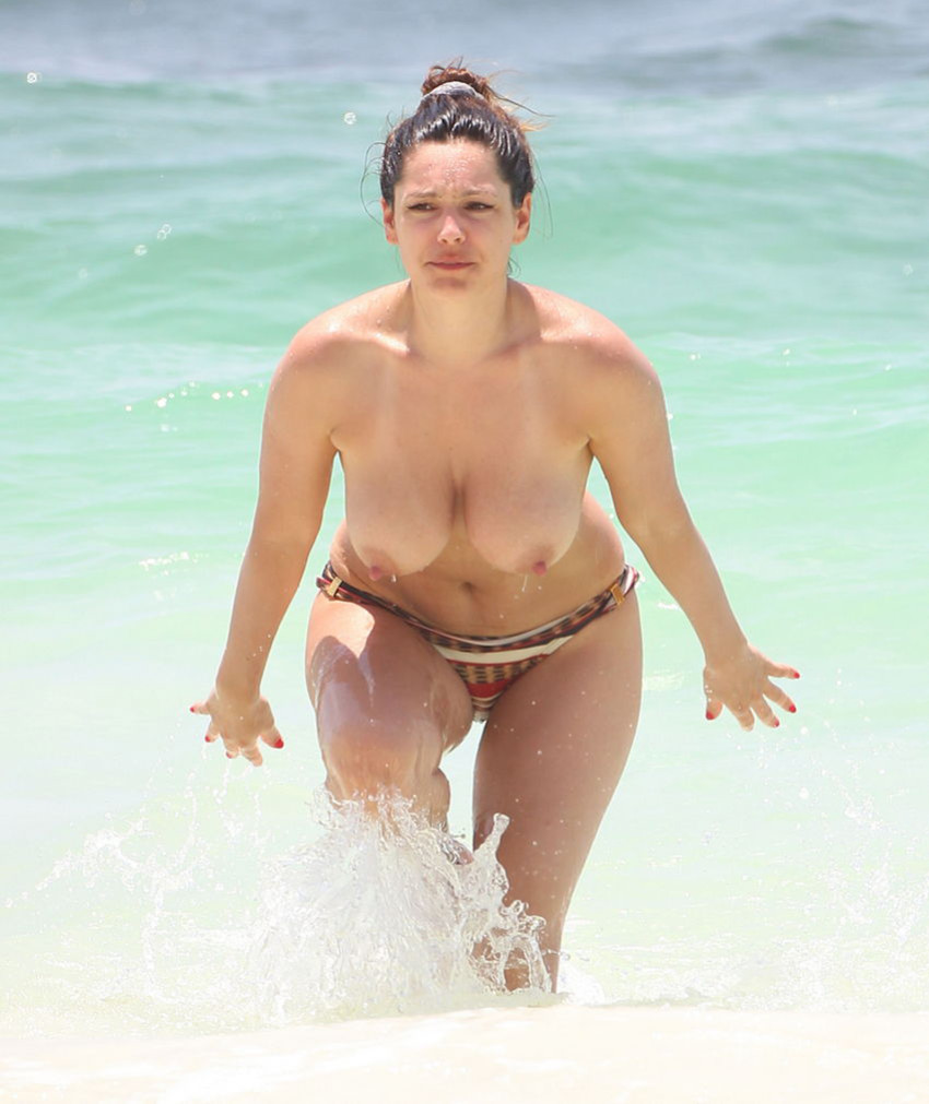 Смотреть в пляжных раздевалках в возрасте фото 340-843