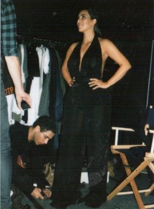 1. Ким Кардашьян в очередной раз показала свою голую грудь