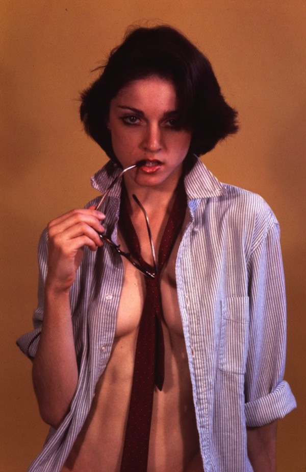 1. Обнаруженные новые фото голой Мадонны, сделанные, когда ей было 18
