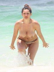Келли Брук – топлесс в Канкуне
