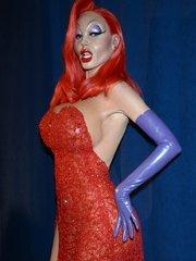 Хайди Клум в образе Джессики Рэббит на Хэллоуин