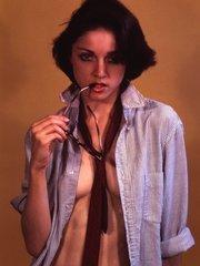 Обнаруженные новые фото голой Мадонны, сделанные, когда ей было 18