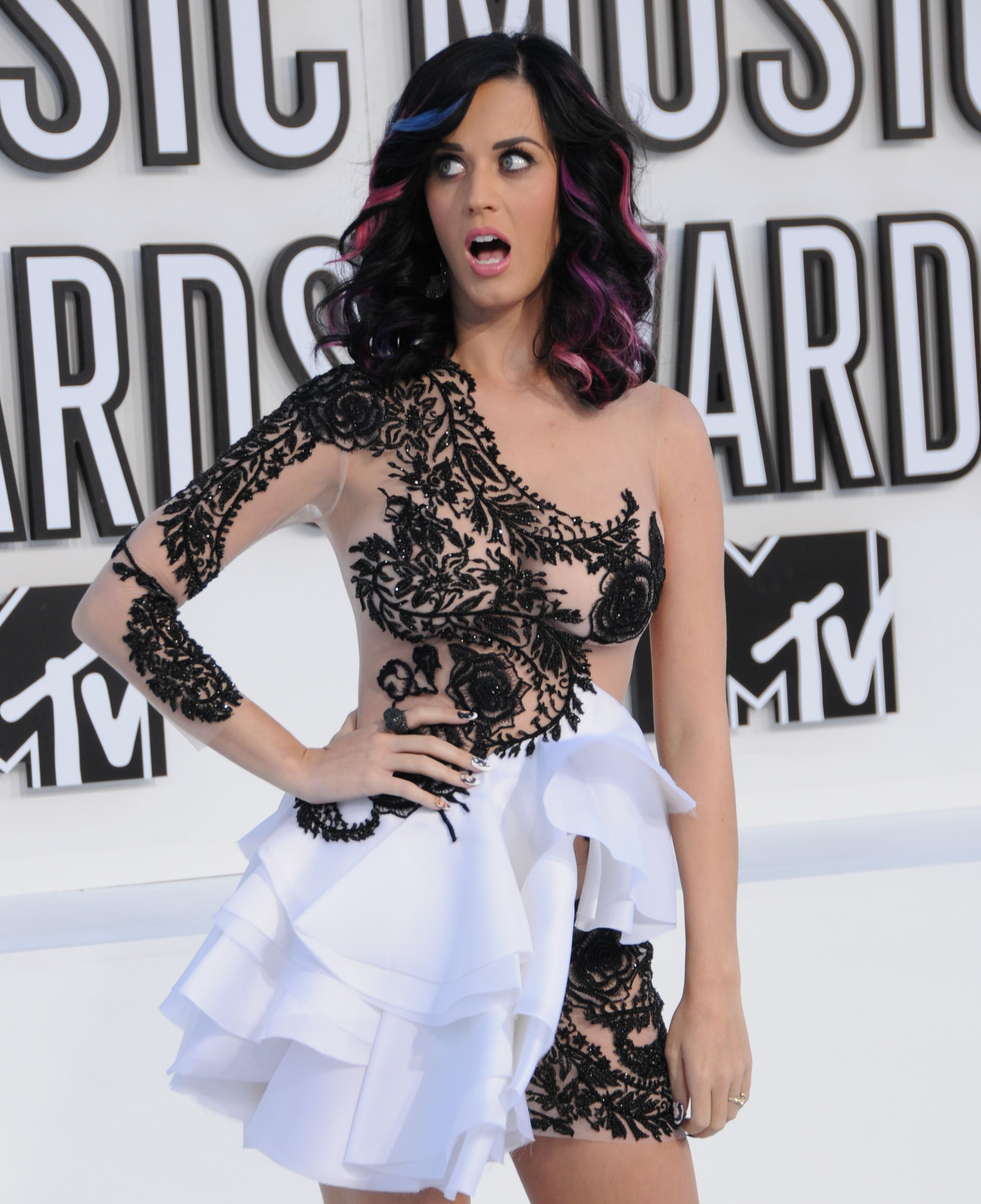 Stars getting katy perry see petticoat resolution ass pics