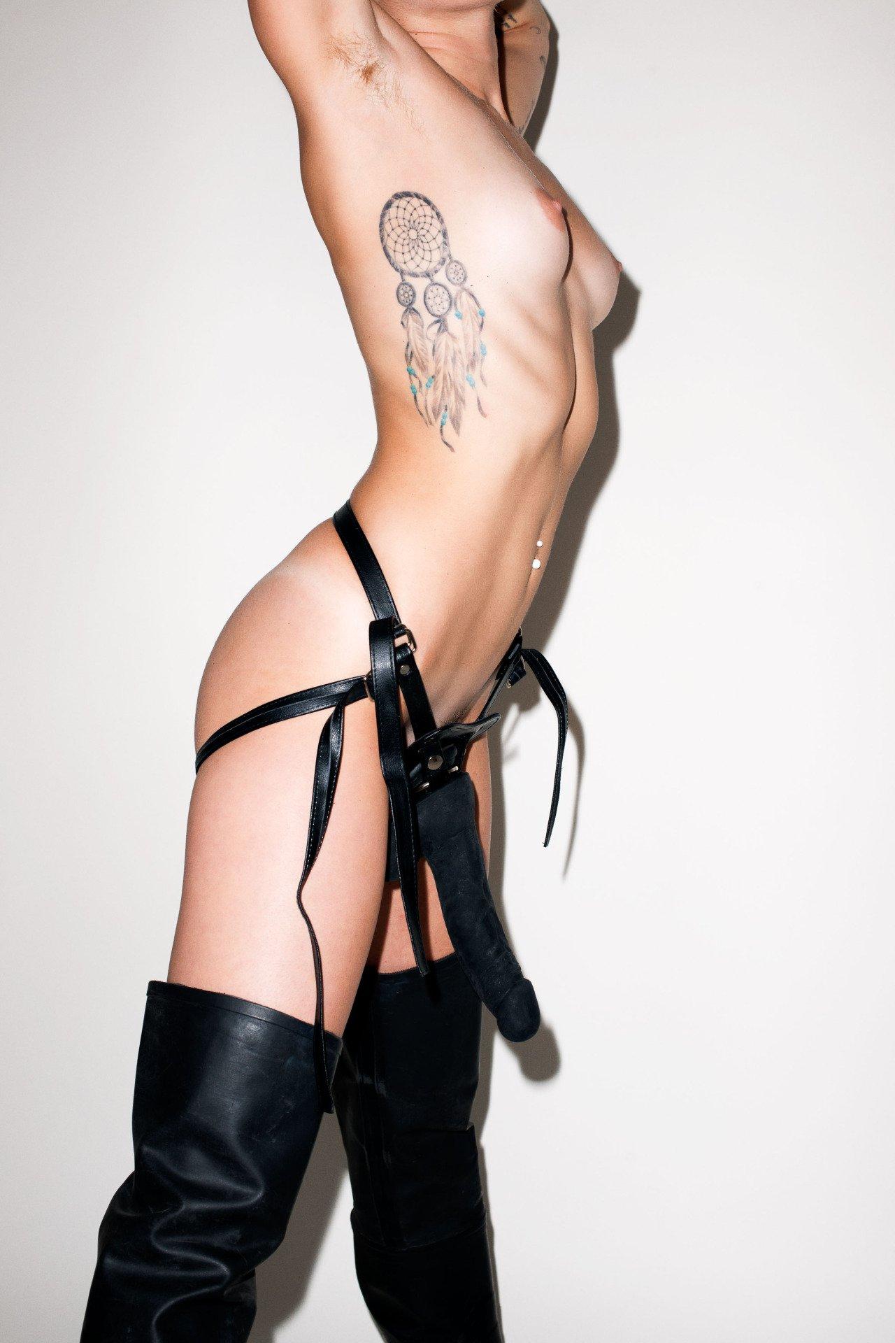 Cyrus nudes