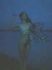 Стерва (1992) – эротические сцены