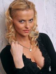 Голая Анна Лутцева