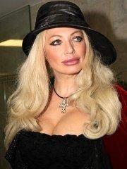 Соблазнительная Анжелика Каширина В Чулках – Даёшь Молодёжь! (2009)