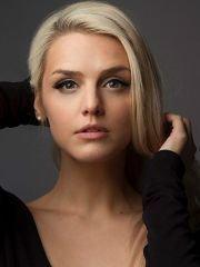 Эмили Свит