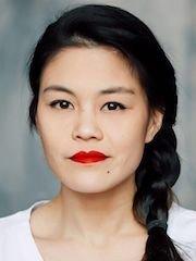 Голая Лоретта Ю