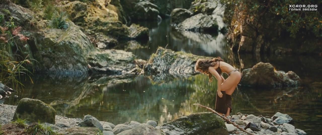 Эротические сцены в озере неважно?