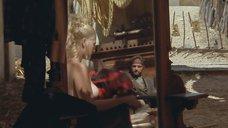 1. Кусочек груди Дрю Бэрримор – Плохие девчонки