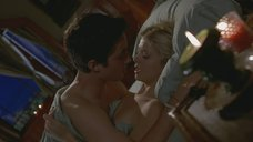 Секс сцена с Тарой Рид