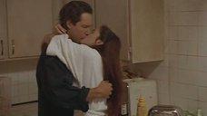 Секс сцена на кухне с Дрю Бэрримор
