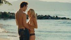 1. Челан Симмонс делает минет на пляже – Удачи, Чак!