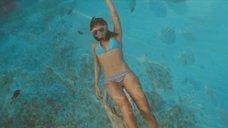 2. Сексуальная Джессика Альба под водой – Добро пожаловать в рай!