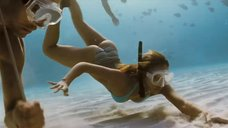 Сексуальная Джессика Альба под водой