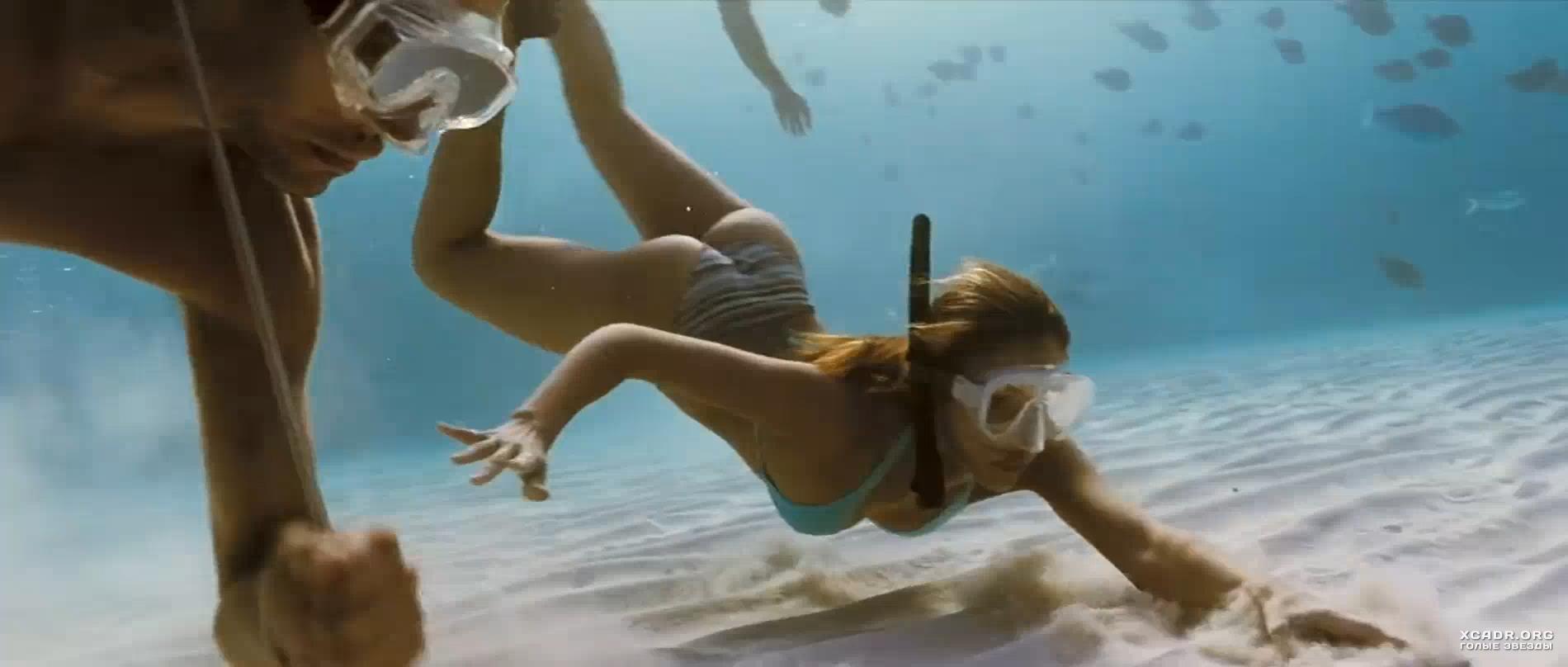 Полуголая Джессика Альба Плывет Под Водой