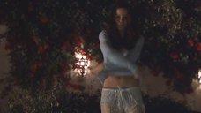 1. Лесбийский поцелуй Кейт Бекинсейл и Фрэнсис МакДорманд в бассейне – Лорел Каньон