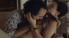 4. Поцелуй груди Кейт Бекинсейл – Фламандская доска