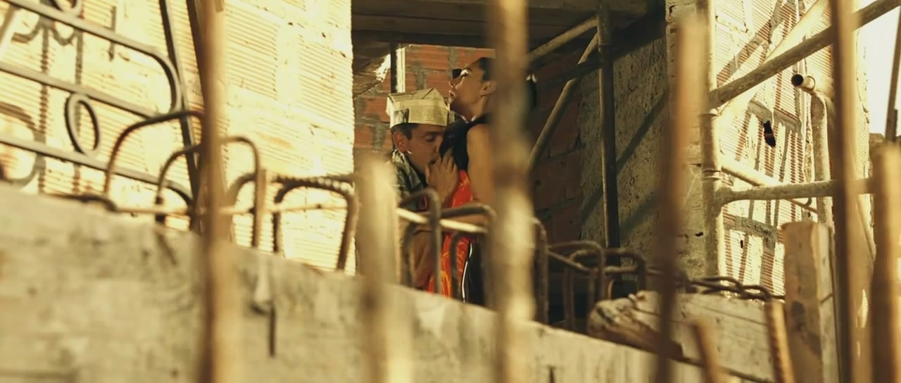 Подглядывание За Моникой Беллуччи – Баария (2009)