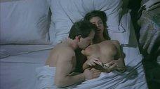4. Холодный секс с Моникой Беллуччи – Злоупотребление