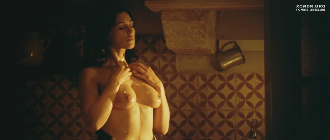 monica bellucci nude movie clips № 79397