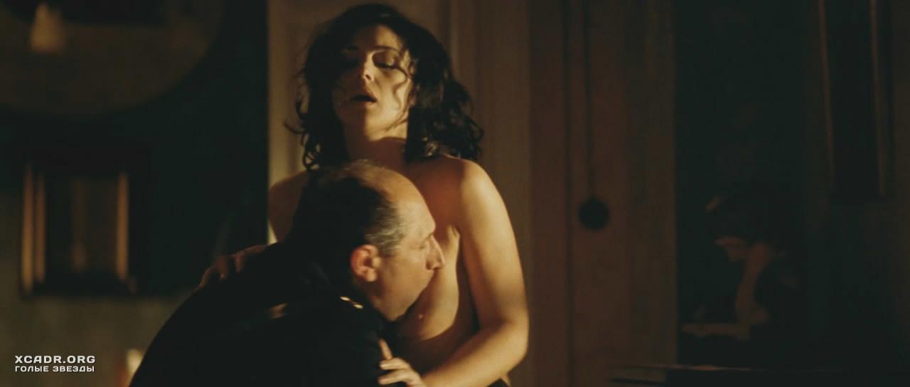Порно сцены моники беллучи
