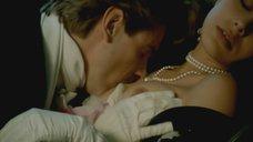 Поцелуй груди Орнеллы Мути