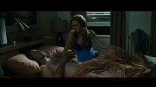 Линдси Лохан в ночнушке