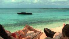 Сальма Хайек на пляже