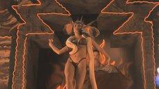 1. Опасный и эротичный танец Сальмы Хайек – От заката до рассвета
