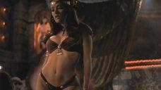 7. Опасный и эротичный танец Сальмы Хайек – От заката до рассвета