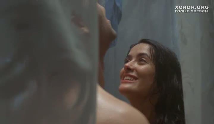 Эротическая сцена с Сальмой Хайек в душе  На грани