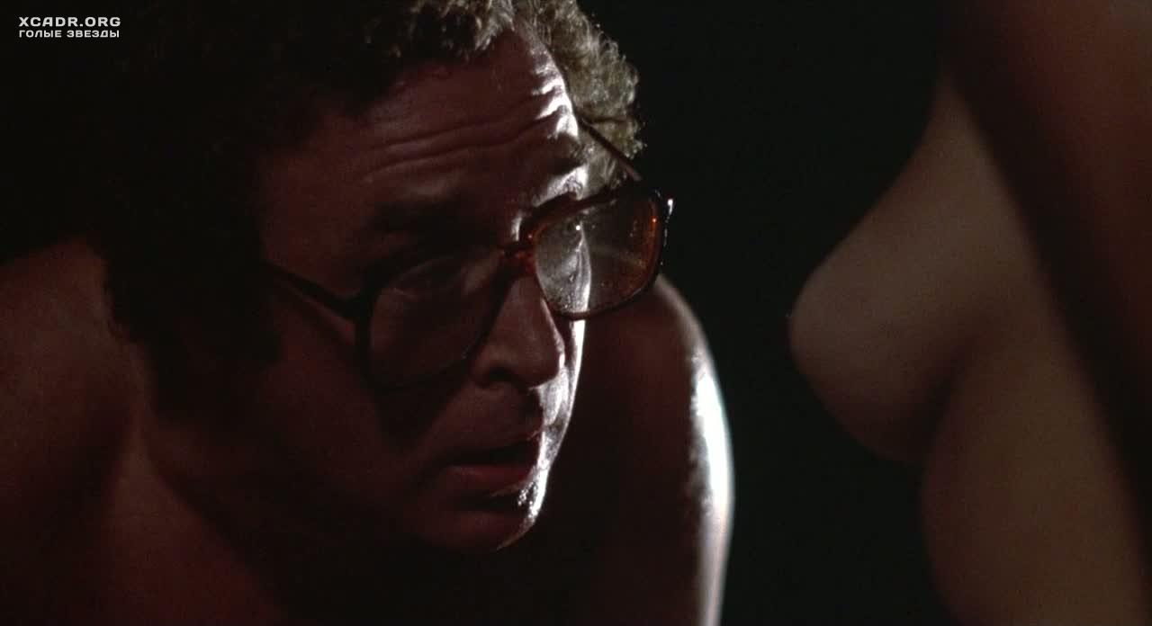 Голая Грудь Мишель Джонсон – Во Всем Виноват Рио (1983)