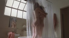 Совместный душ Анджелины Джоли и Элизабет Митчелл