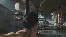 2. Татуированный задок Анджелины Джоли – Особо опасен