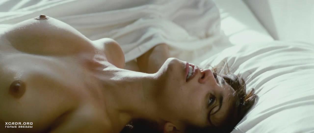seks-film-obyatiya-borna