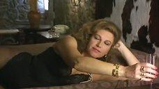 1. Секс Стефании Сандрелли с тореадором – Ветчина, ветчина