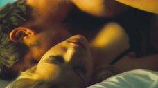 4. Нежный секс со Скарлетт Йоханссон – Остров