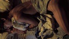 2. Спящая красавица Холли Берри – Бал монстров