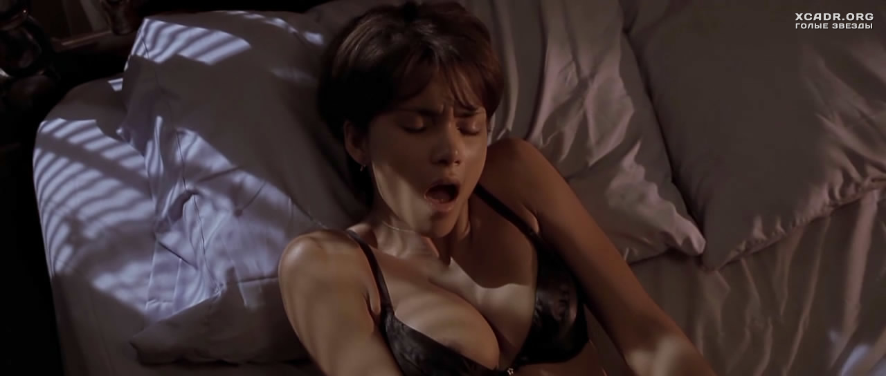 Секс холли берри
