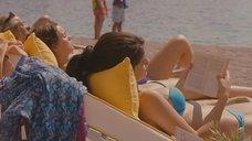 Кэти Кэссиди, Лейтон Мистер и Селена Гомес загорают на пляже