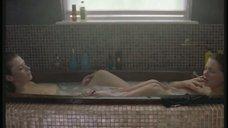 Анна Фрил и Мишель Уильямс вместе принимают ванну