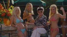 Девушки из Playboy в купальниках
