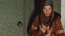 2. Сиськи Виктории Абриль – Византийская принцесса