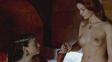 2. Полностью голая Эстер Нубиола – Византийская принцесса