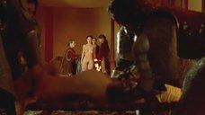Необычное лишение девственности Эстер Нубиолы