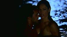 Секс с Келли Брук под лунным светом