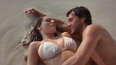 12. Секс с Келли Брук на берегу океана – Секс ради выживания